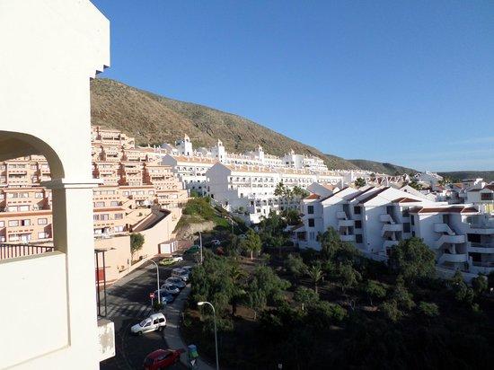 Castle Harbour Apartments: Balcony view