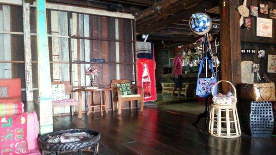 Loy La Long Hotel: salon