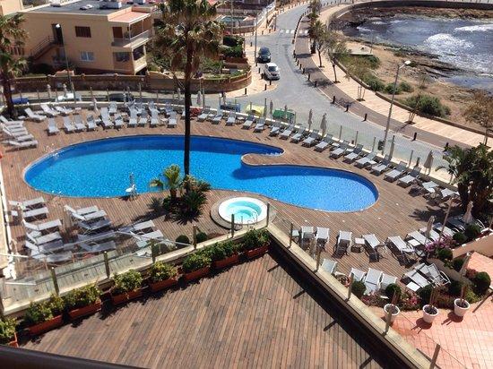 Hotel Marina Luz: Pool & Terrasse
