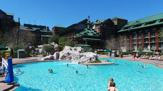 Disney's Wilderness Lodge: fun and not overly crowded