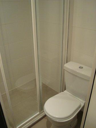 Villa des Ambassadeurs: Bathroom
