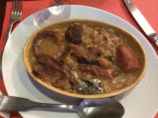 Aux Anysetiers Du Roy Restaurant: Great Cassoulet!