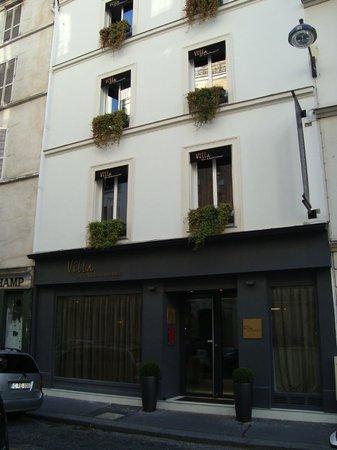 Villa des Ambassadeurs: The facade