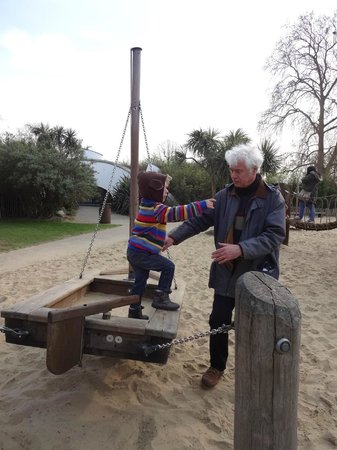 Diana Princess of Wales Memorial Playground: Zebb on the sailing ship