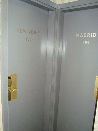 Villa des Ambassadeurs: Room door