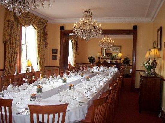 Glenfarg Hotel Restaurant: The pretty function suite