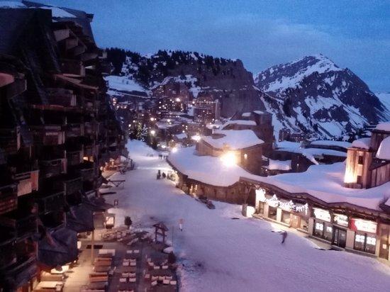 Station de ski d'Avoriaz : Avoriaz by night