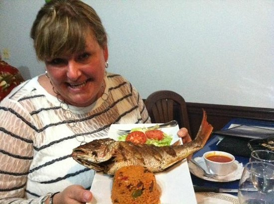 El Capitan : Whole, fried catch of the day - red snapper. Mamposteao rice