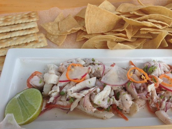 NIZUC Resort and Spa: Ceviche served on the beach (in a tray, so you can balance on your lap!)