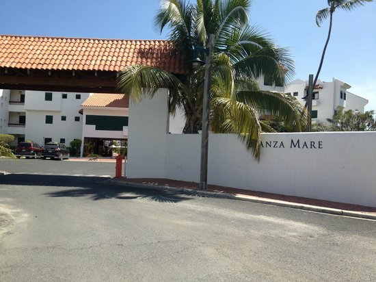 Stanza Mare: The main entrance, 24-7 security, cameras, etc.. 2-3 minute walk from here for everything