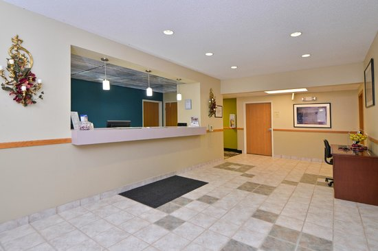 Americas Best Value Inn Geneseo: Lobby