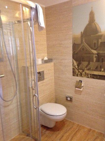Hotel Galaxy: Bathroom Rm640