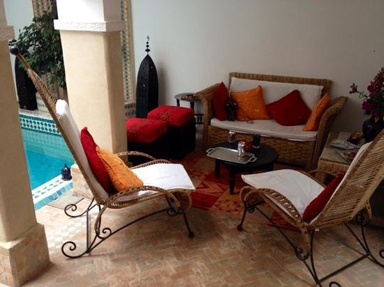 Riad Les Jardins Mandaline : lovely area to rest after a busy day at the Ourika Valley