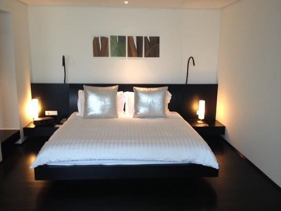 COMO Metropolitan Bangkok: kingsize bed