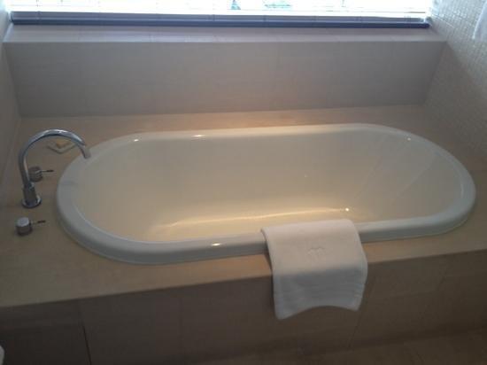 COMO Metropolitan Bangkok: bath