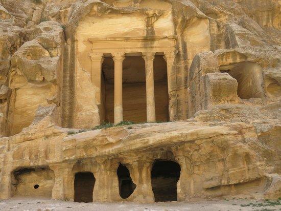 Beidha : Spectacular buildings
