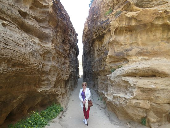 Beidha : The little siq would be impressive anywhere except near Petra!