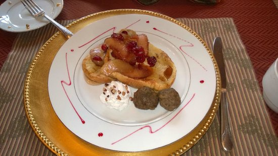 Sobotta Manor Bed & Breakfast: French toast baugette stuffed with cream cheese, topped with apples and cranberries