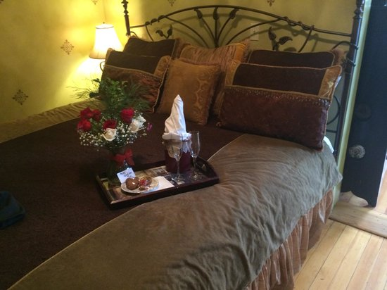 Downtown Historic Bed & Breakfasts of Albuquerque: Comfortable bed