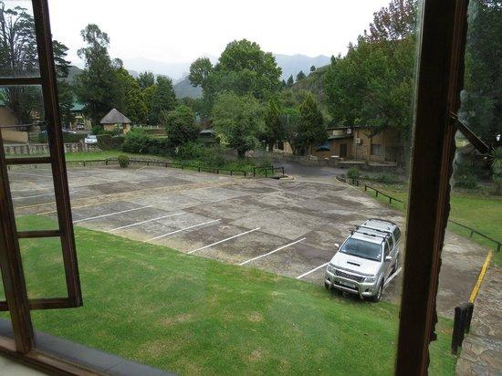 Gooderson Drakensberg Gardens Golf & Spa Resort: view from room