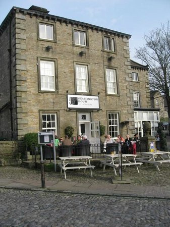 Grassington House : Lovely spot to sit outside in the sunshine