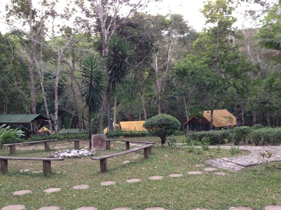 The Lodge at Chaa Creek: The setting of Macal River Camp