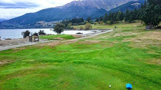 Queenstown Golf Club: #4 hole par 4, 362 mtrs