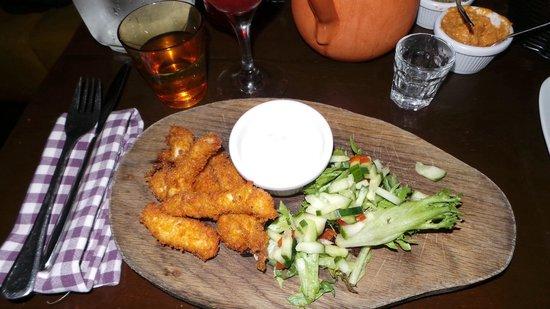 Tapas Barinn: Fried chicken pieces.