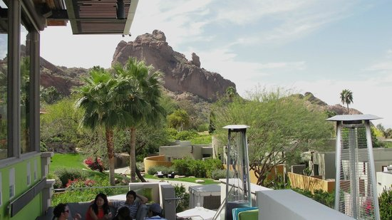 Elements at Sanctuary Camelback Mountain : Patio view at Elements