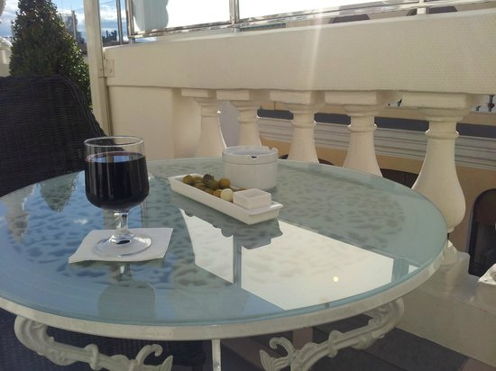 Hotel Atlantico: Wine on the terrace in the afternoon when my wife was taking a nap,