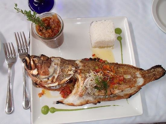 Jacqui O's BeachHouse: whole grouperas delicious !