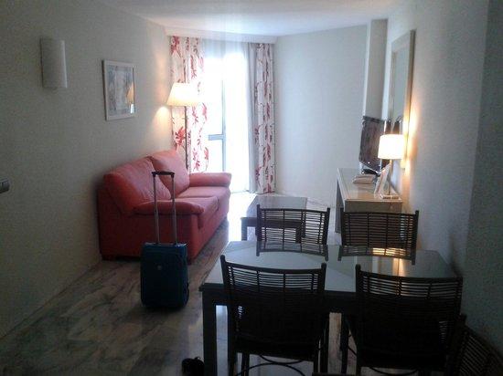 Marinas de Nerja Aparthotel : Room