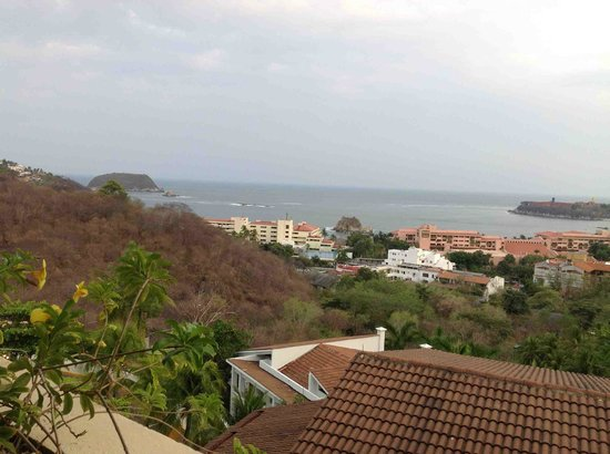 Park Royal Huatulco : room view looking south