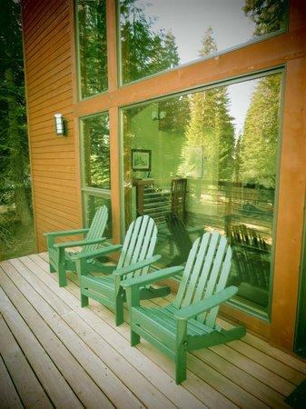 Montecito Sequoia Lodge & Summer Family Camp: Deck