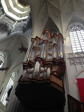 Liebfrauenkathedrale (Onze-Lieve-Vrouwekathedraal): Organ at Cathedral of Our Lady