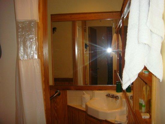 Olivia by Duval: Captains Quarters Back bathroom