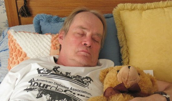 Main Street Manor Bed & Breakfast Inn: Napping with Teddy