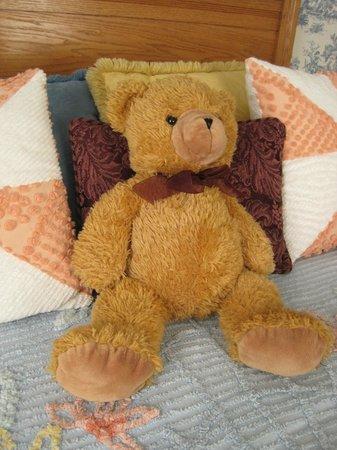 Main Street Manor Bed & Breakfast Inn: It's really Teddy's bed.