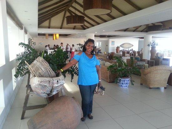Blue Tree Park Buzios Beach Resort: Essa é a recepçao, com atendentes super atenciosos