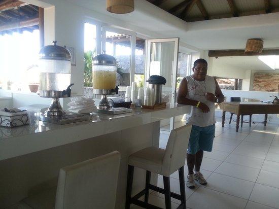 Blue Tree Park Buzios Beach Resort: Água, suco e cafezinho. Delícia
