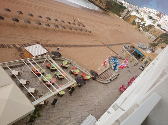 Hotel Sol e Mar : looking down from room