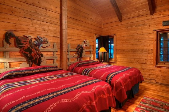 The Home Ranch: Bunkhouse room