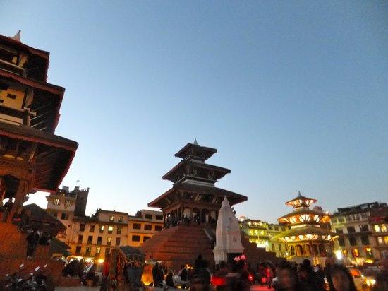 Place Durbar à Katmandou : Evening time