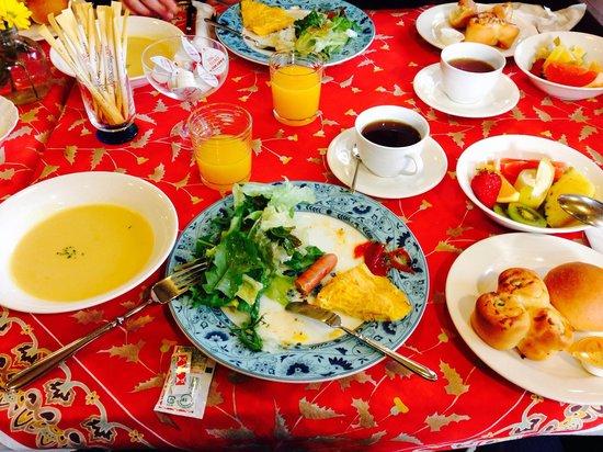 Stone House Inn Camello: Breakfast!
