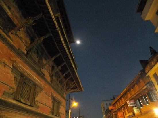Place Durbar à Katmandou : A corner of Basantapur museum