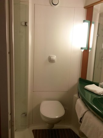Ibis Bordeaux Centre Bastide: Bathroom