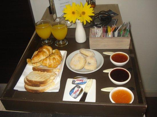 Membrillar Suites De Montana : El super desayuno!!!!