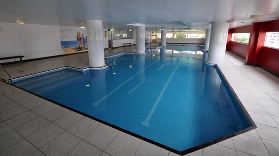 Meriton Suites Bondi Junction: Pool