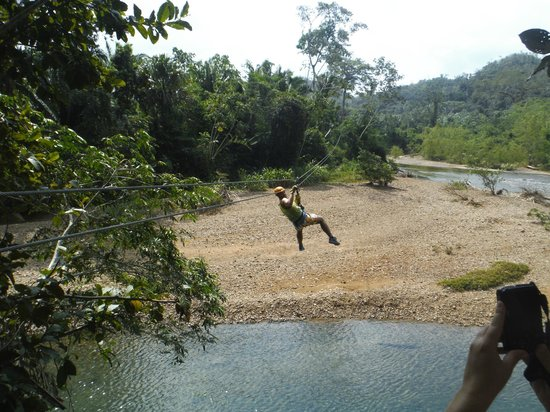 Cave Tubing R Us : Zip lining across the river