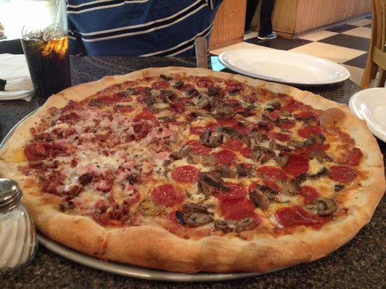 ... ! - Photo d... Leo's Pizzeria In Orchard Park
